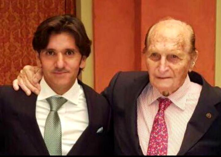 En el adiós de don Ángel Peralta, el Maestro