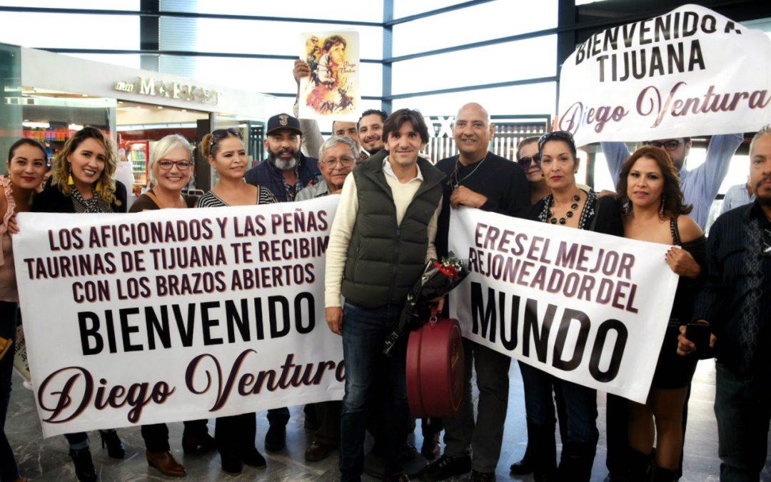 Multitudinaria bienvenida a Diego Ventura en Tijuana