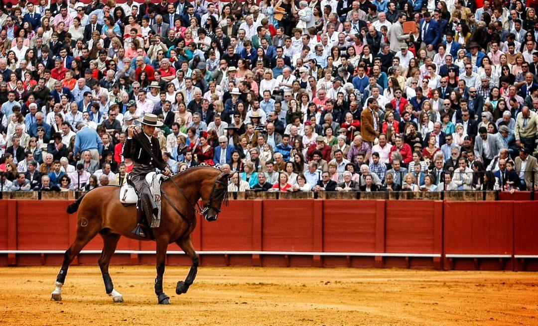Cartel mixto de figuras para Sevilla